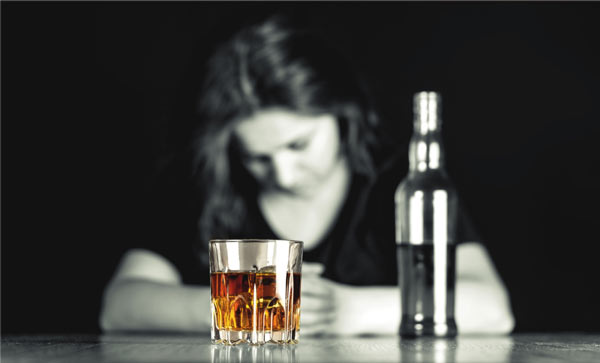 woman and alcohol